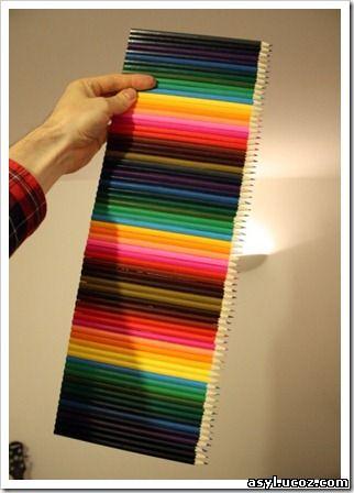 полка с цветных карандашей