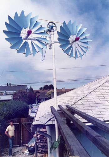 Вариант самодельного ветряка с двумя винтами