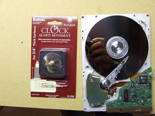 часы из жесткого диска