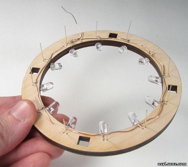 Самодельные часы со светодиодными стрелками (6 фото)