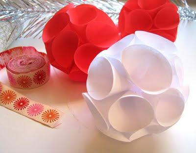 Новогодние шары из бумаги